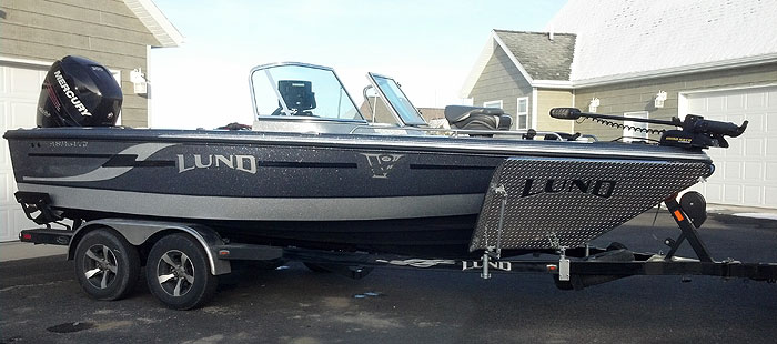 Enjoy your fishing trips in comfort in Jim's brand new fiberglass Lund Pro V fully equipped with large screen Humminbird electronics and MinnKota Trolling Motors.